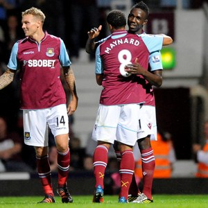West Ham beat Crewe 2-0 in Capital One Cup
